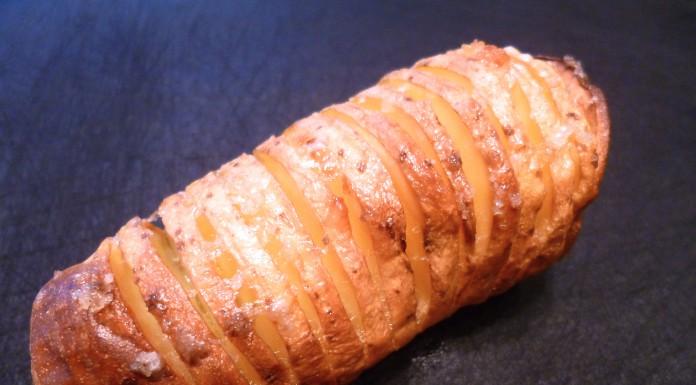 Die Fächerkartoffel hat bei 200°C indirekter Hitze, 50 Minuten gebraucht.
