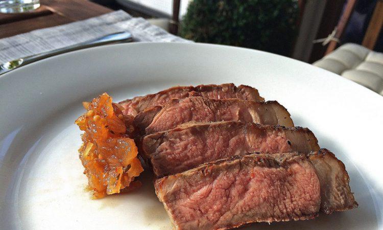 Grillrezepte Für Gasgrill Mit Haube : Steaks vom gasgrill so gehts