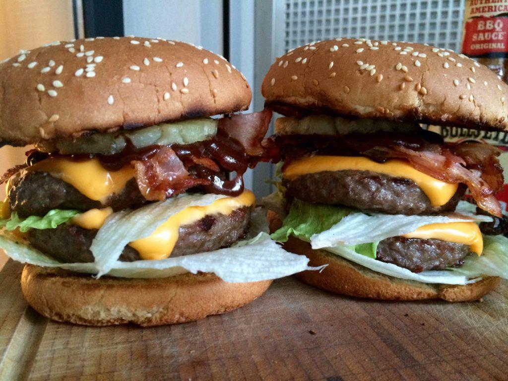 Und fertig ist der Big Kahuna Burger in der Grillkameraden-Version