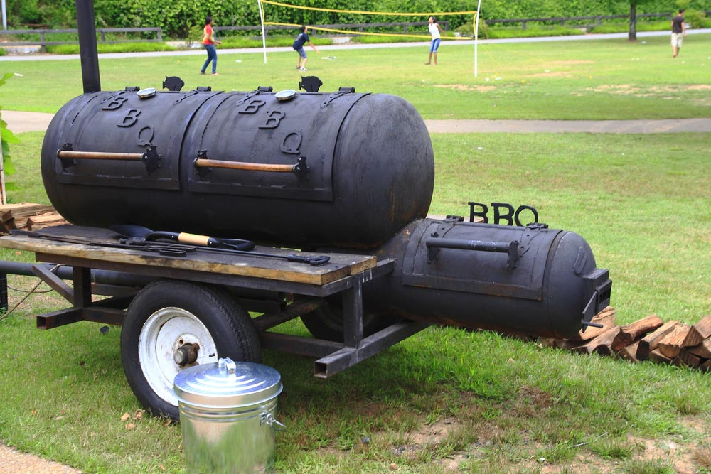 großer Smoker Grill