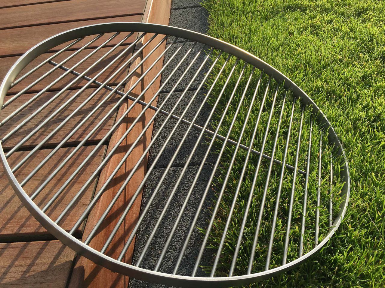 grillrost gusseisen oder edelstahl. Black Bedroom Furniture Sets. Home Design Ideas