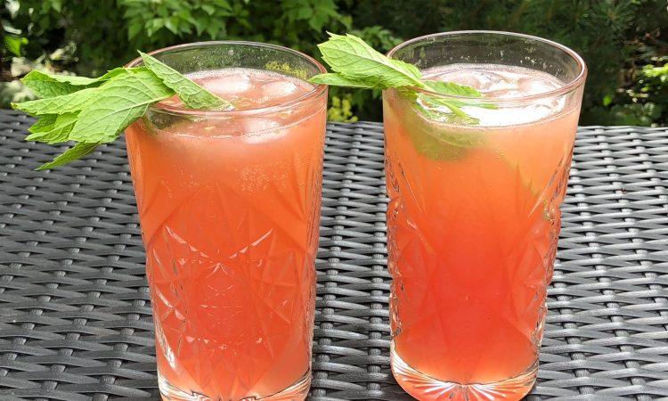Grilled Lemonade mit Grapefruit und Granatapfel