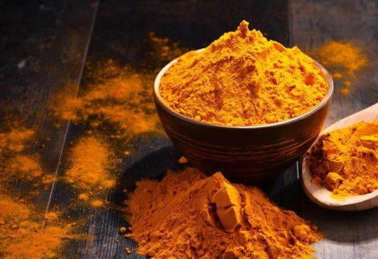 Curry Gewürzmischungen - Bild: monticellllo