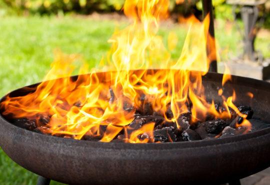 Feuerschale als Grill - Bild: Sauerlandpics