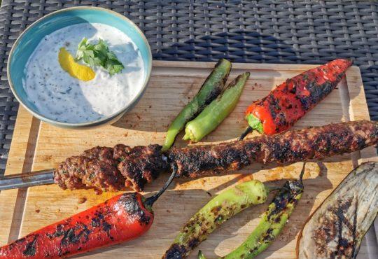 Adana Kebap - türkische Hackspieße vom Grill