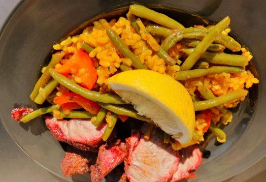 Duroc Schweinebäckchen mit Paella